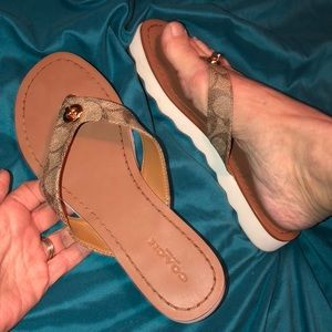 Coach New York Shelly Signature Sandals Size 6